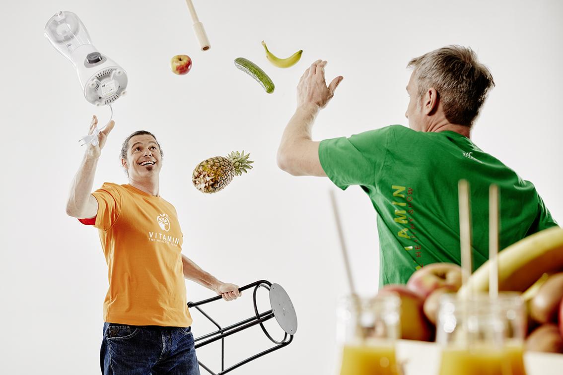 Vitamin - die Show. Take Two präsentiert eine Healthy Show mit Artistik und Comedy.